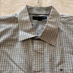 Tommy Hilfiger Men's short sleeve dress shirt.